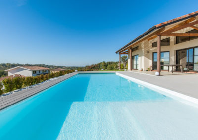 piscine fond clair