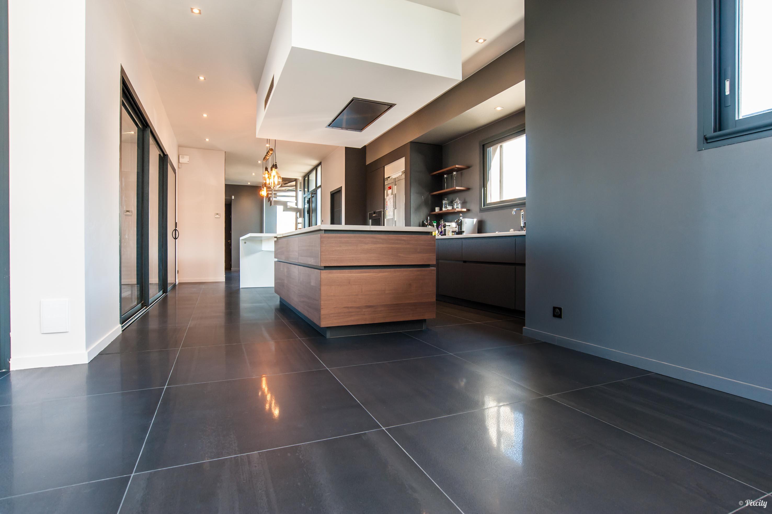 cuisine moderne sol noir