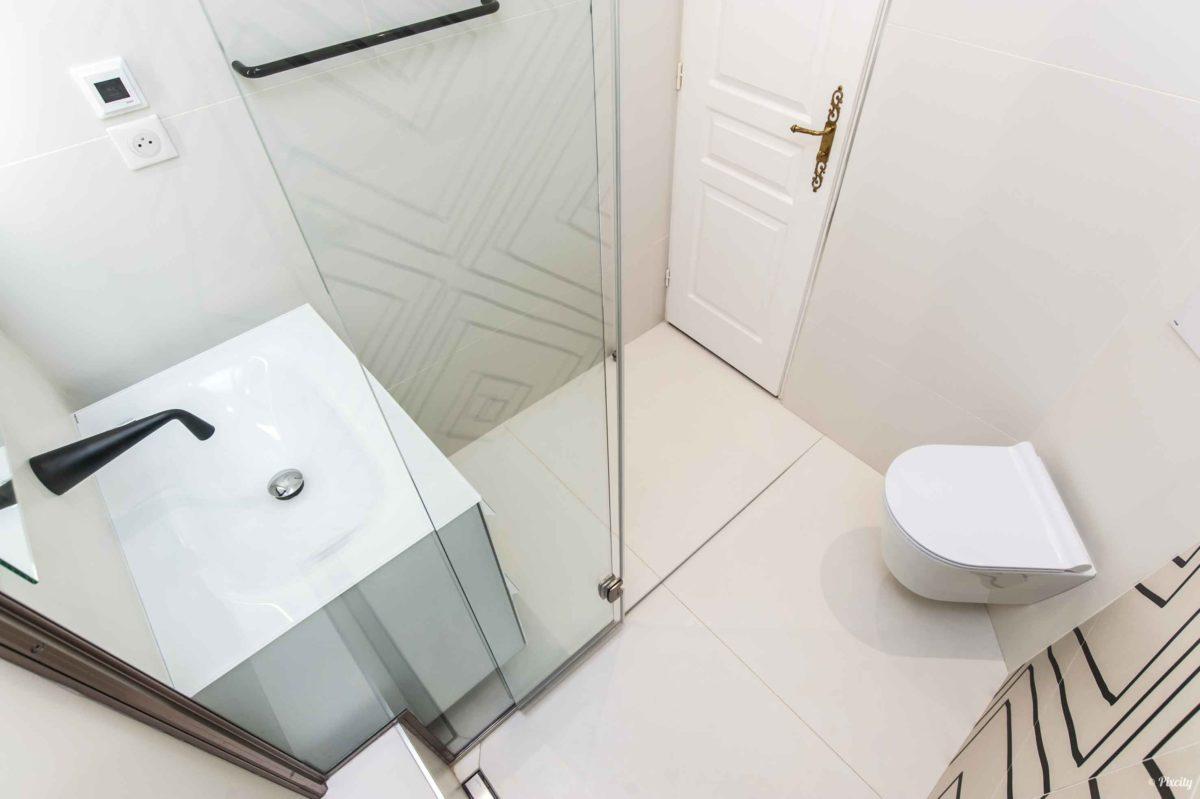 photo petite salle de bain moderne